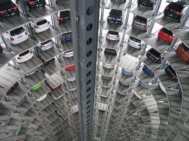 自動車開発